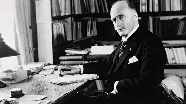 Nobelçi yazar Bakıda məmurları necə aldatdı