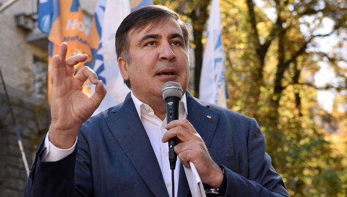 Saakaşvili: Bəzən anam pul göndərir
