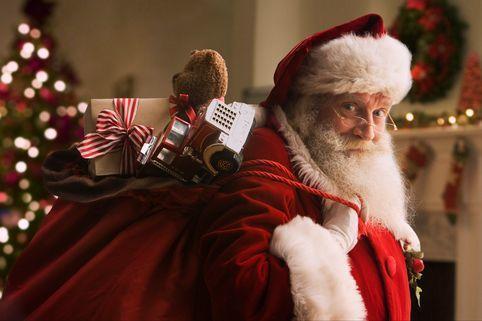 Санта-Клаус поздравил всех детей мира - Видео