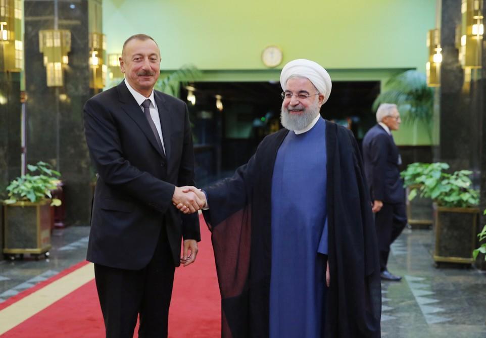 """""""Ruhani ilə əldə edilən razılaşma nəticəsində saziş imzalandı"""""""