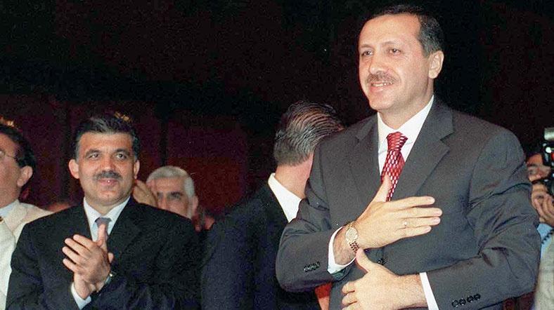 AKP-yə təsir göstərən partiya - Arınc açıqladı