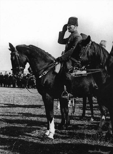 آتاتورک کبیر/ فرمانروای ابدی جهان تورک