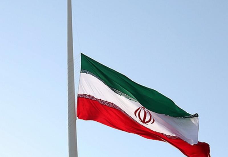 ایران آمریکانین کیبئر هوجوملارینین  قارشیسینی آلدیغینی بیلدیردی