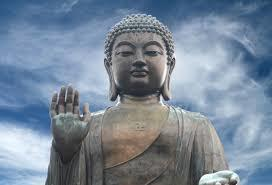 Giant Buddhist statue gets Covid face mask -