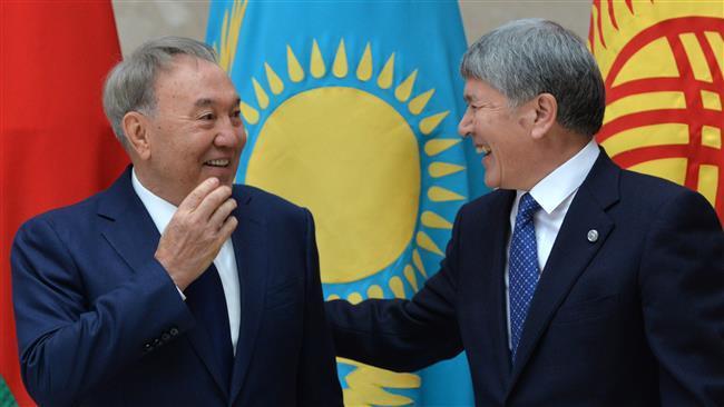 Nazarbayevi tənqid etməkdən həzz alıram - Atambayev