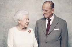 70 лет любви: Королевская фотосессия