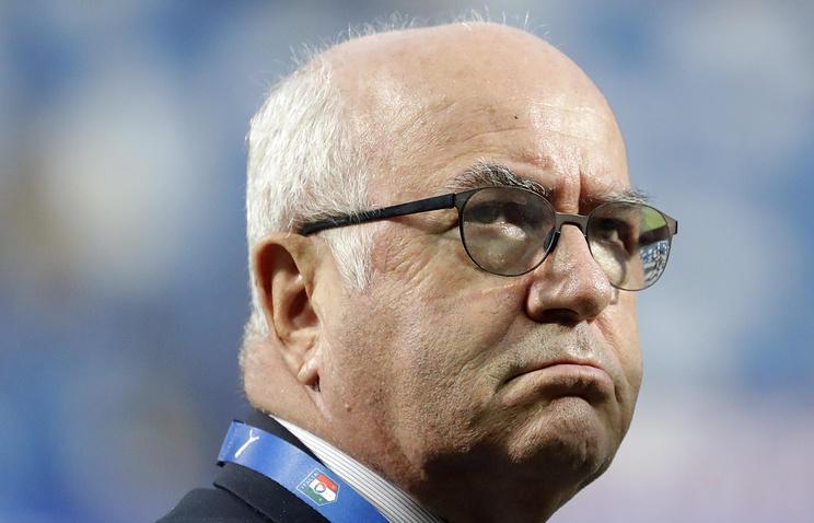 Глава итальянского футбола подал в отставку