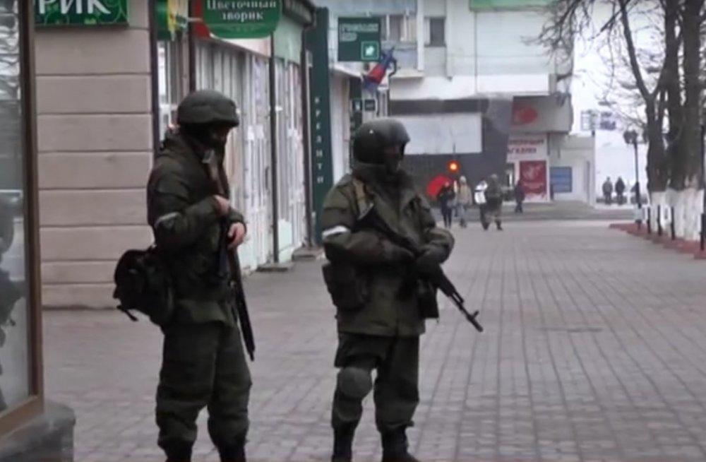 Separatçı rejimdə çevriliş: Hökumət binaları tutuldu - Video