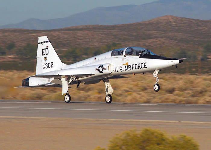 В Техасе разбился самолет американских ВВС