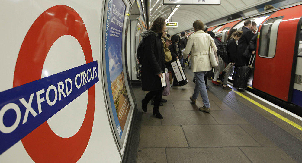 London tube station evacuated by reports of gun hots