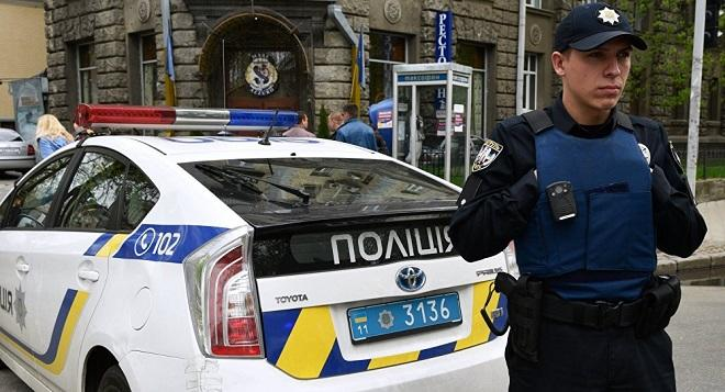 Police prevent Russian citizens from casting ballots in Kiev