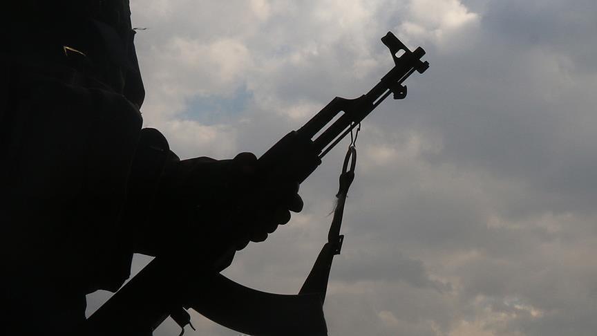 مشهد ساکینی بیر «بسیجی» طرفیندن کالاشنیکوو سلاحی ایله قتله یئتیریلیب