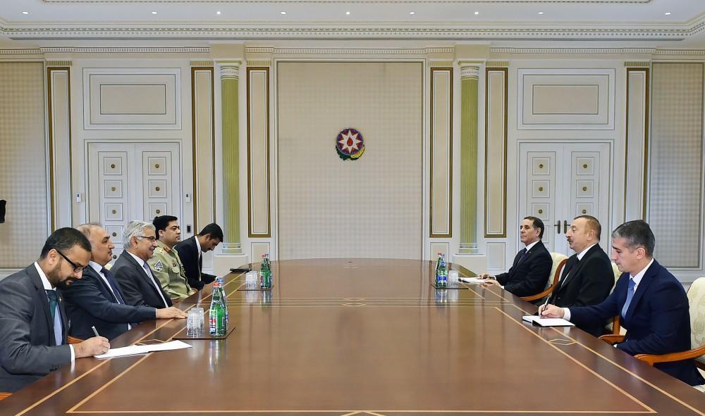 İlham Əliyev Pakistan XİN başçısı ilə görüşdü