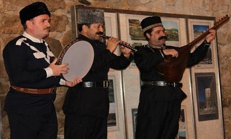 تانینمیش آذربایجانلی آشیق وفات ائتدی - ویدئو