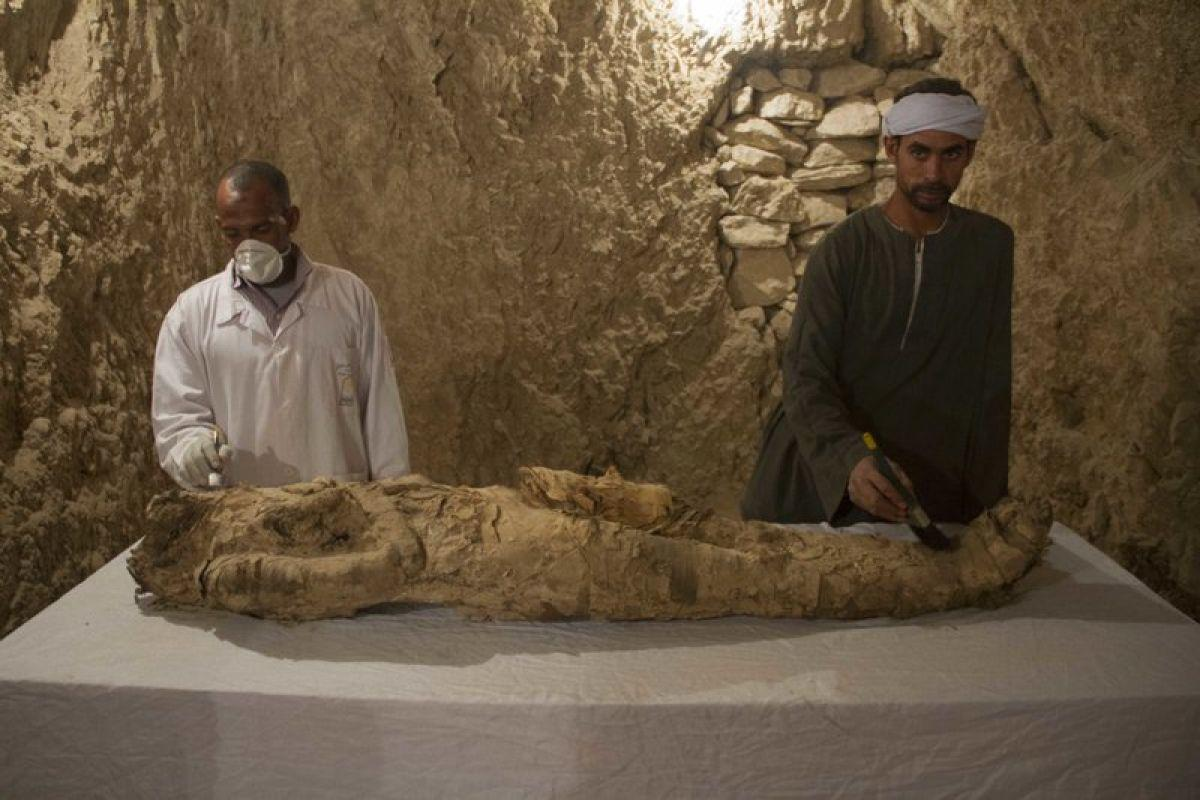 В Египте обнаружили две древние гробницы