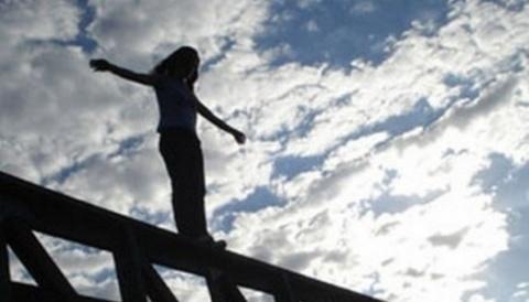 Bakıda intihar edən qızın yeni görüntüləri - Video
