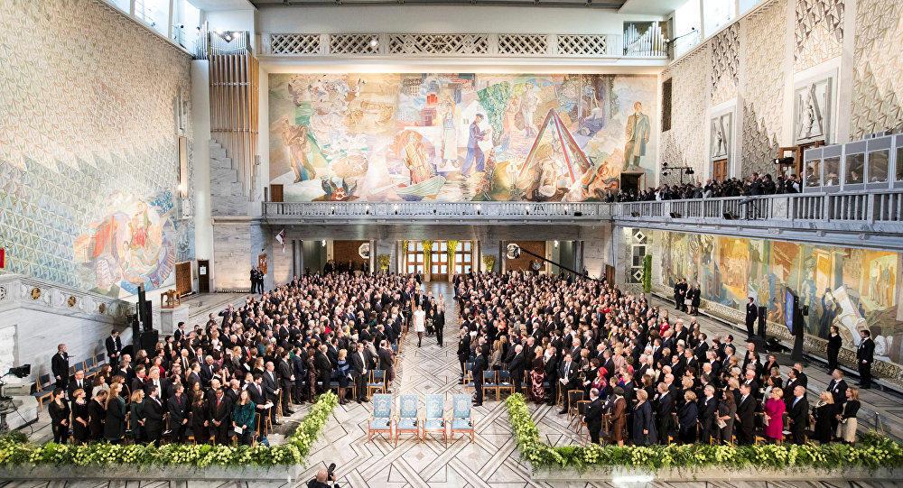 В Стокгольме началась Нобелевская церемония - Фото