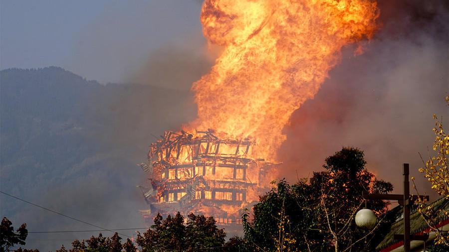 В Китае полностью сгорела самая высокая в Азии пагода