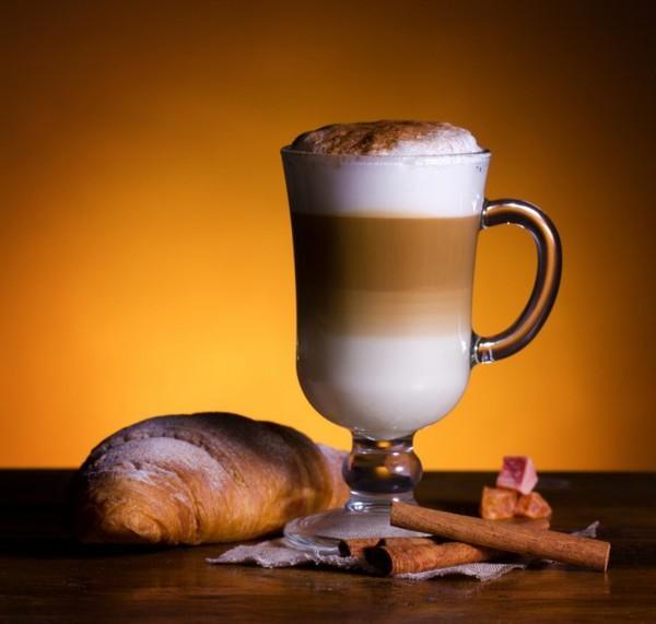 Физики раскрыли секрет формирования слоев в кофе-латте