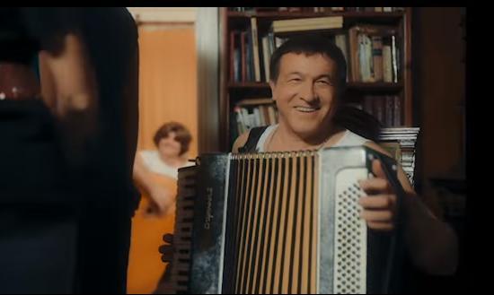 Araz Ağalarovdan oğluna qeyri-adi hədiyyə - Video