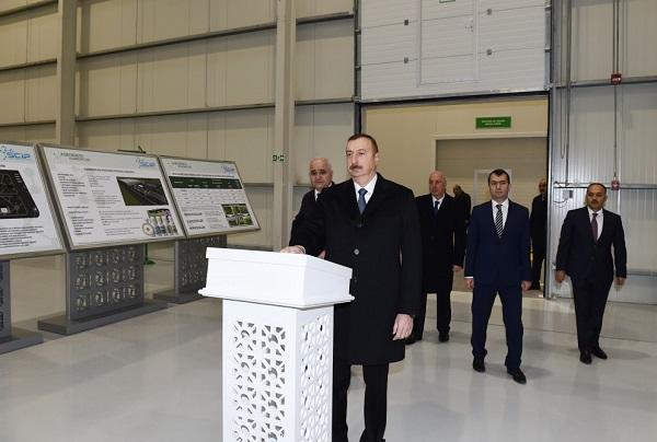 Ильхам Алиев на открытиях в Сумгайыте - Фото