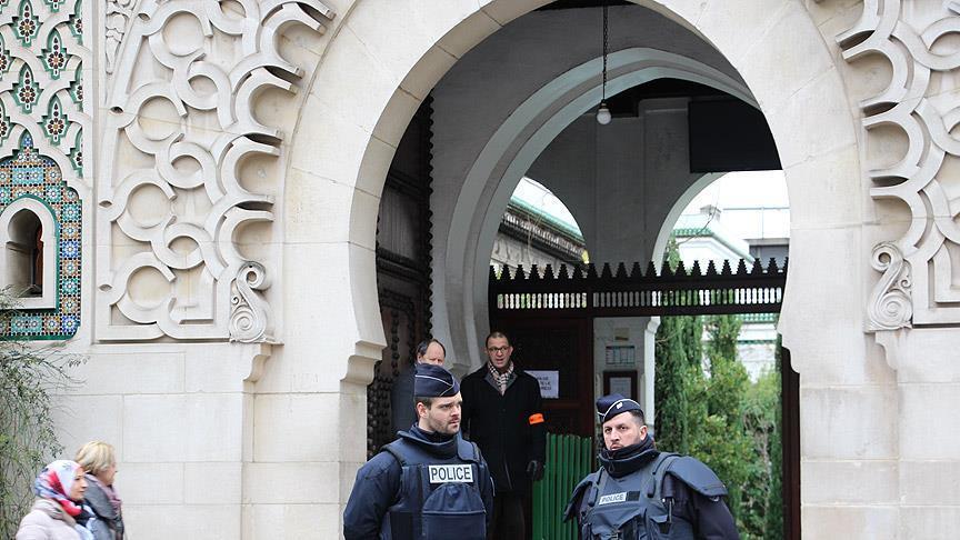 Fransada məscid bağlanıldı