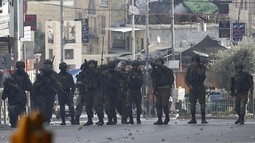 В Рамалле против палестинцев применили слезоточивый газ