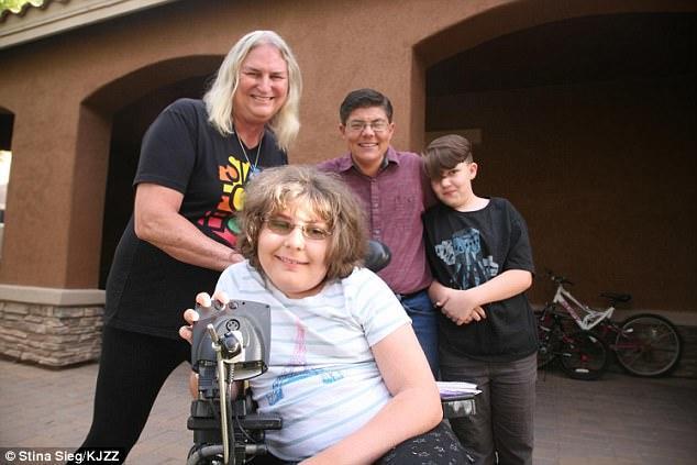 В США вся семья стала трансгендерами