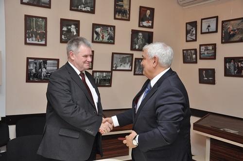 Nesterov ADU-nun professoru oldu - Foto