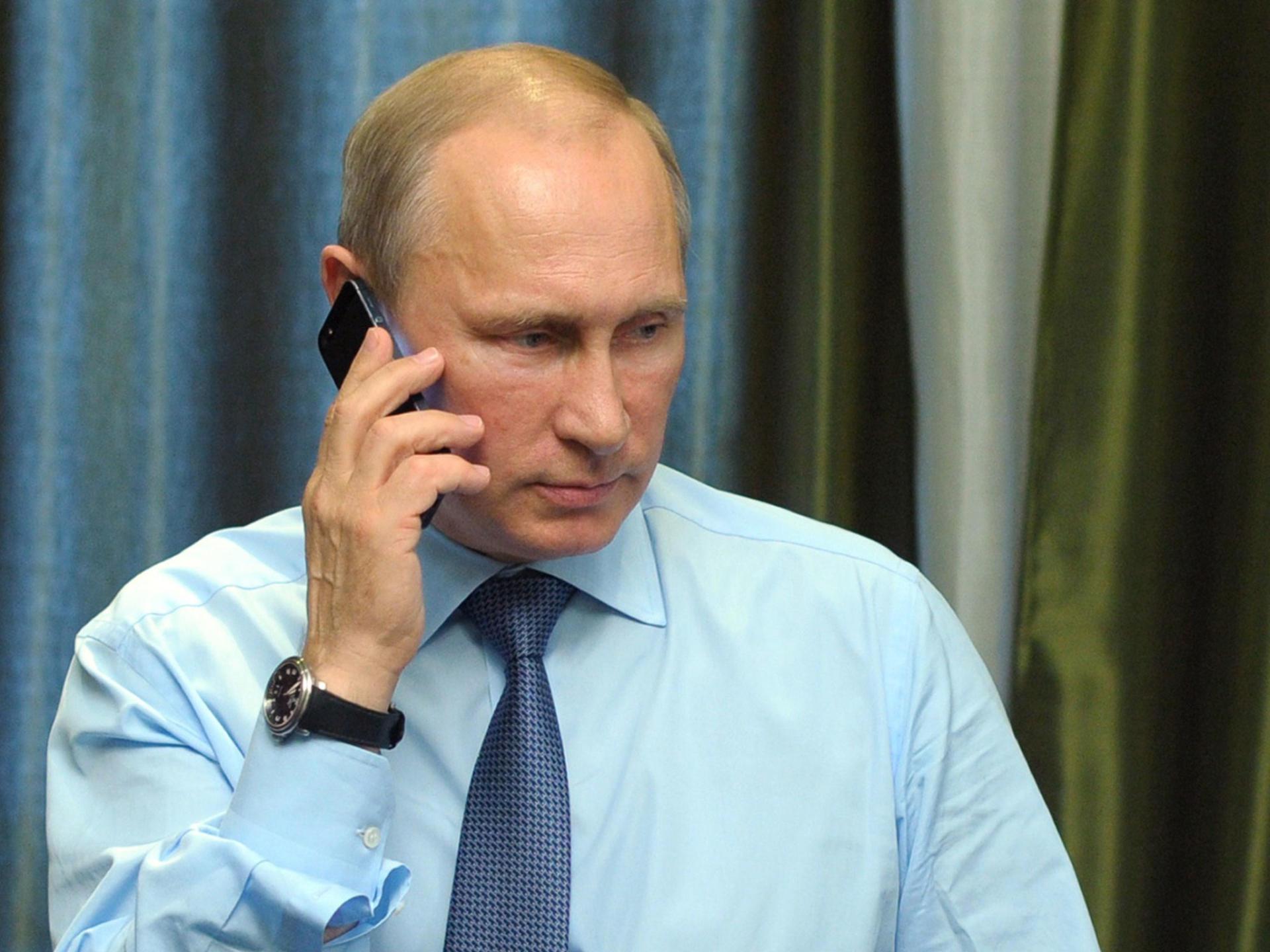 Putin darmadağından sonra ona zəng etdi