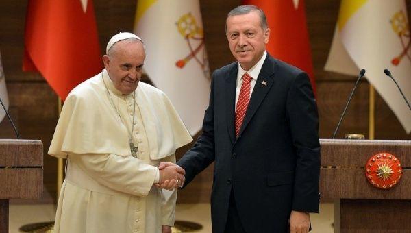 Эрдоган и Папа Римский провели телефонный разговор