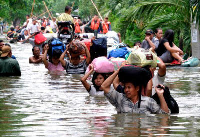 Violent floods in Assam: School building collapses