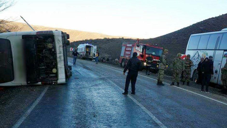 Türkiyədə avtobus aşdı: yaralılar var