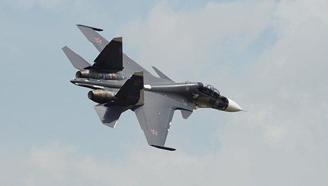 """Su-30 ABŞ təyyarəsinə """"hücum"""" etdi – Video"""