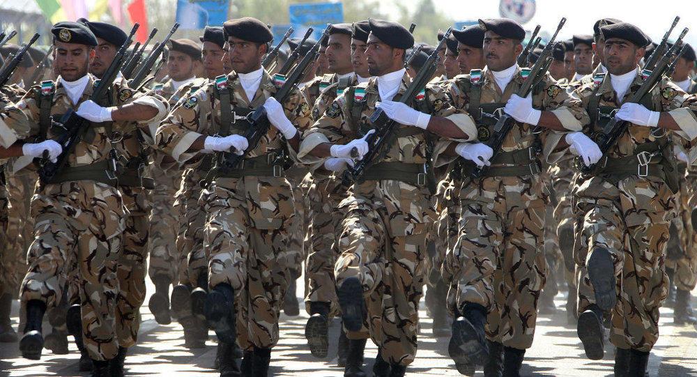 ایران سورییادا گیزلی بازا قورور: مینلرله عسگر... - فوتو