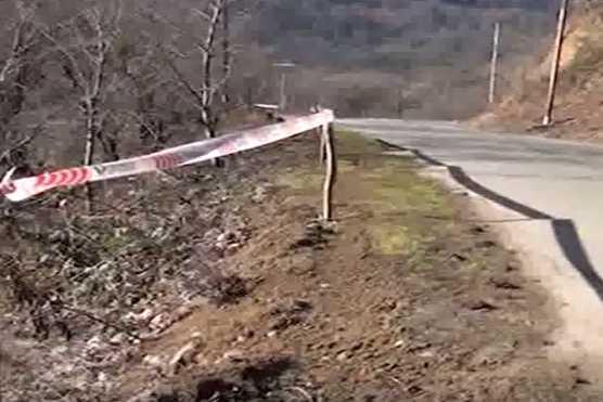 Lerikdə maşın 90 metrlik dərəyə yuvarlandı: sürücü öldü