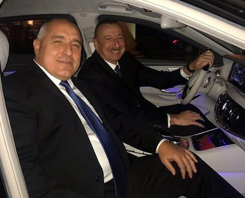 Борисов поделился фото с Алиевым за рулем