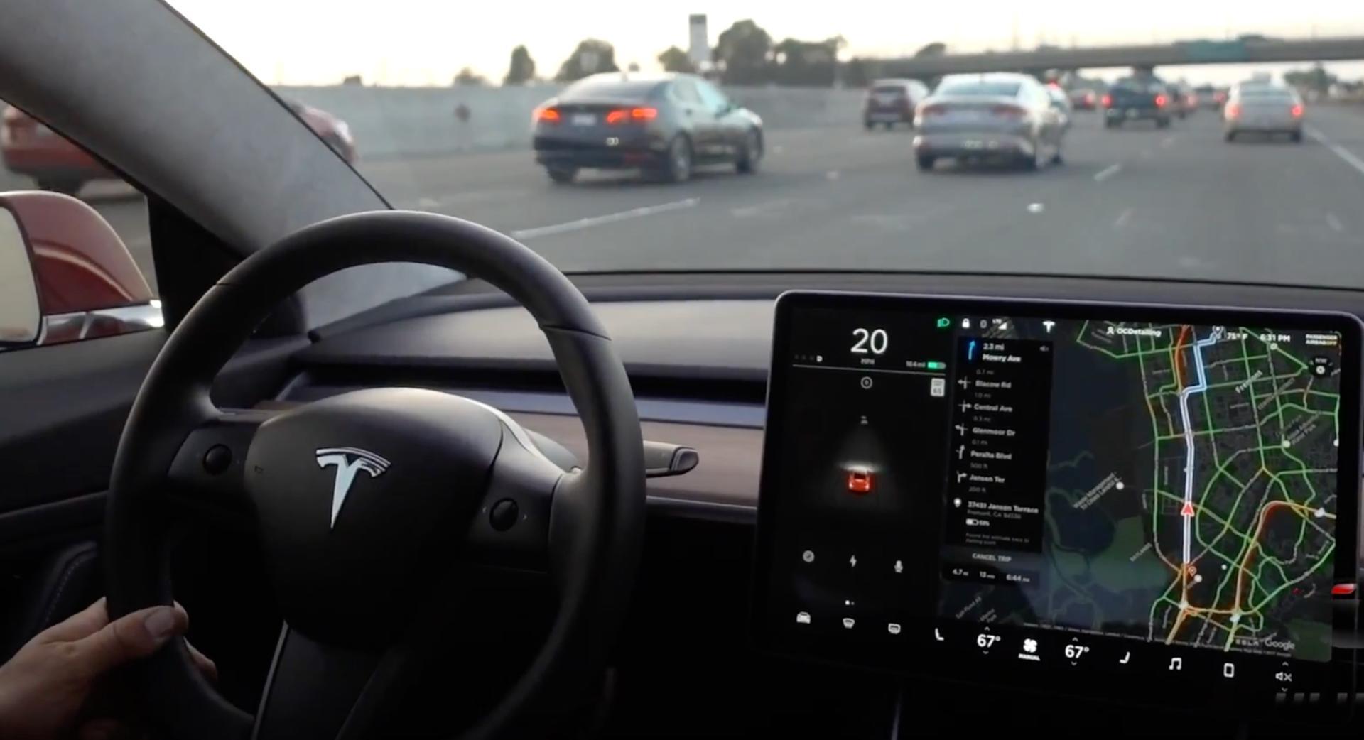 Автомобили Tesla будут слушаться голоса хозяина