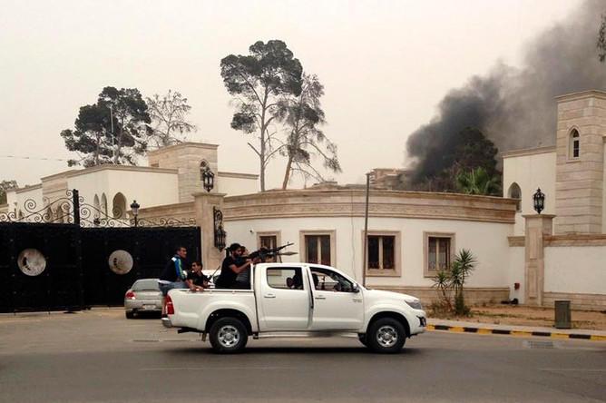 Атака боевиков на аэропорт Триполи: 20 погибших