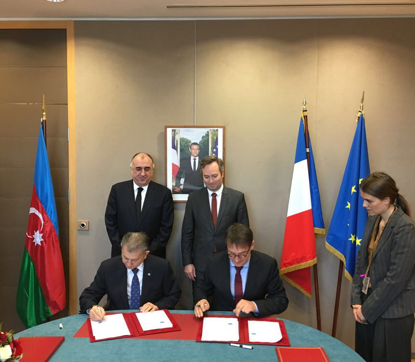 Франция должна пресекать незаконные связи с Карабахом