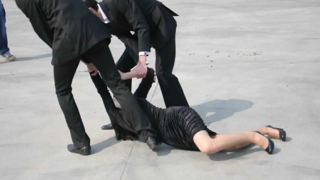 Bərdədə 15 yaşlı qız qaçırıldı