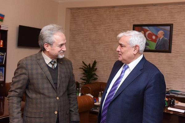 Kamal Abdulla tanınmış türkoloqla görüşdü - Foto