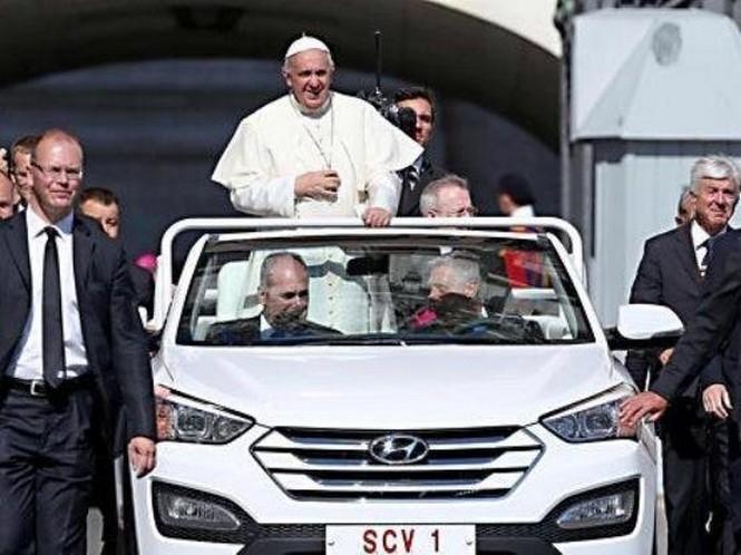 Ильхам Алиев поздравил Папу Римского