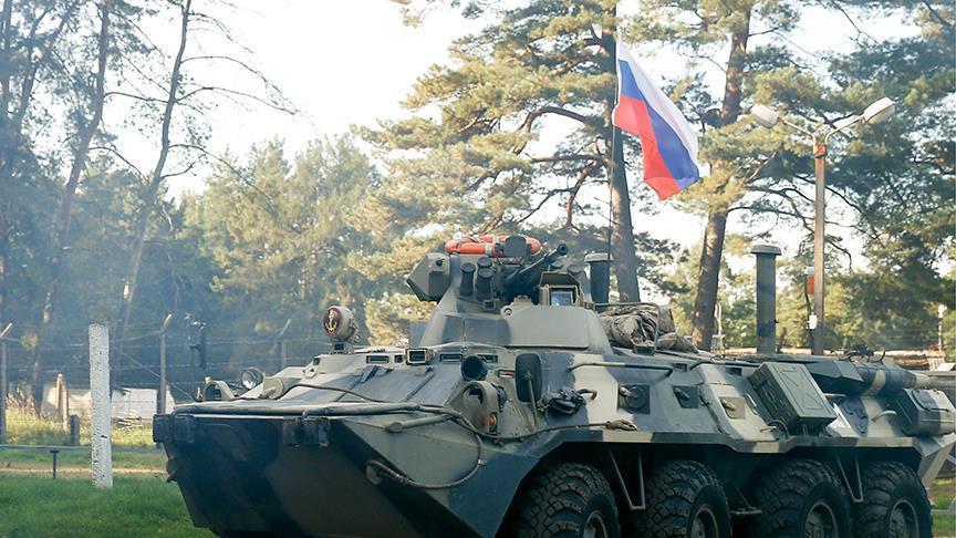 Ordu ağır hərbi texnikanı Moskvaya yeritdi