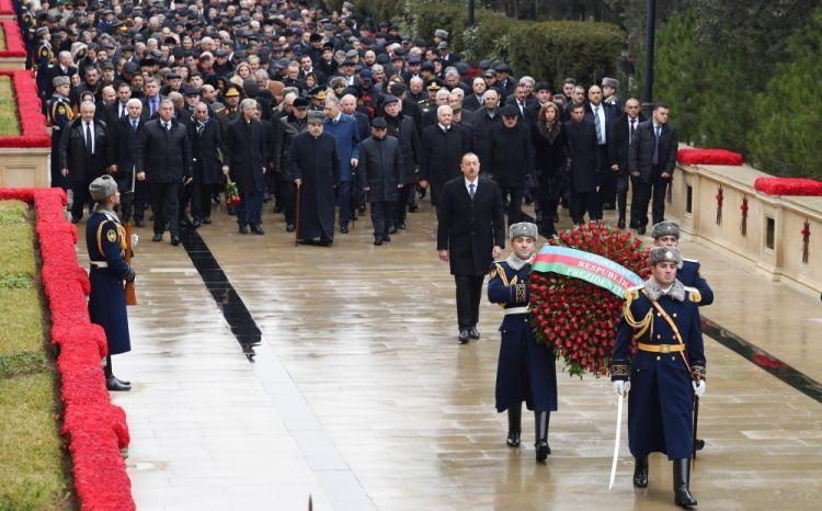Ilham Aliyev at the Alley of Martyrs