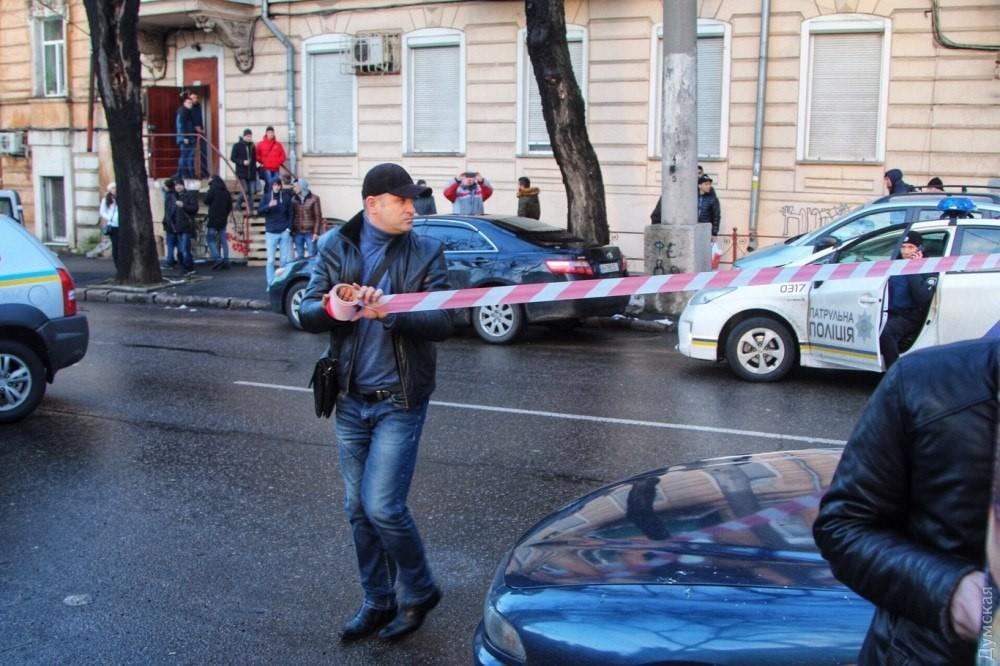 Odessada silahlı insident: 3 nəfər öldü