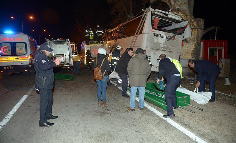 13 people die in bus crash in central Turkey