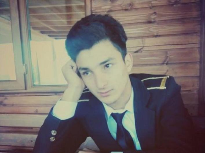 В Азербайджане торжественно похоронили 23-летнего героя