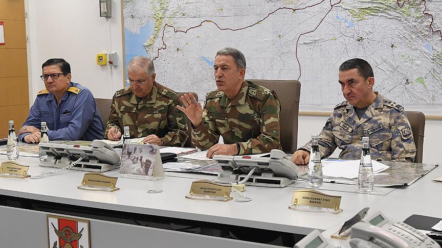 Акар с главкомами инспектирует войска на сирийской границе
