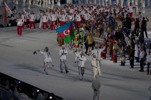 Azərbaycan bayrağı Braxnerə tapşırıldı